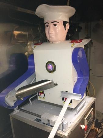 刀削麺ロボット
